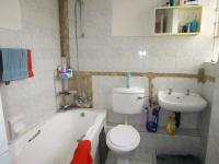 Bathroom 1 - 6 square meters of property in Florida Lake