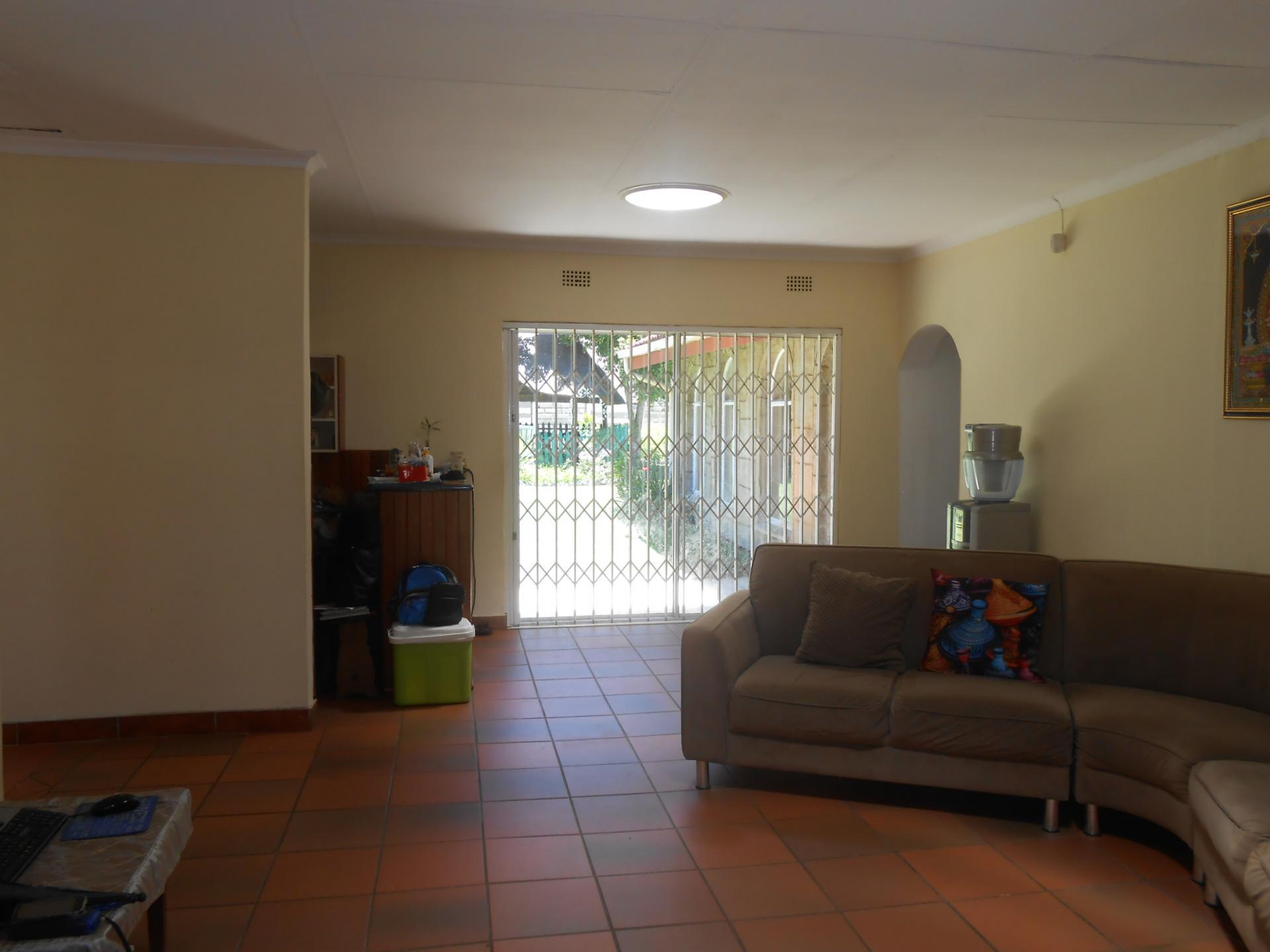 Property To Rent In Bonaero Park