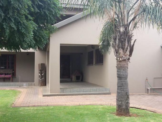 4 Bedroom House for Sale For Sale in Vanderbijlpark S. E. 4 - MR182057