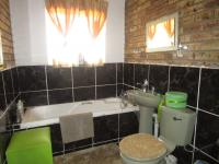 Bathroom 1 - 7 square meters of property in Boltonia