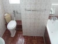 Main Bathroom - 6 square meters of property in Goodwood Estate