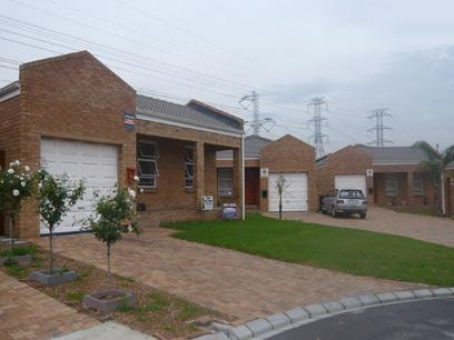3 Bedroom Simplex For Sale in Kuils River - Home Sell - MR18238