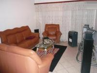 Lounges - 21 square meters of property in Amberfield