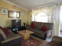 Lounges - 12 square meters of property in Klipspruit West