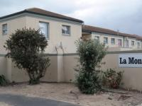 2 Bedroom 1 Bathroom in Parklands