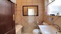 Bathroom 2 - 4 square meters of property in Killarney