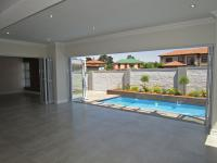 Patio - 38 square meters of property in Honeydew