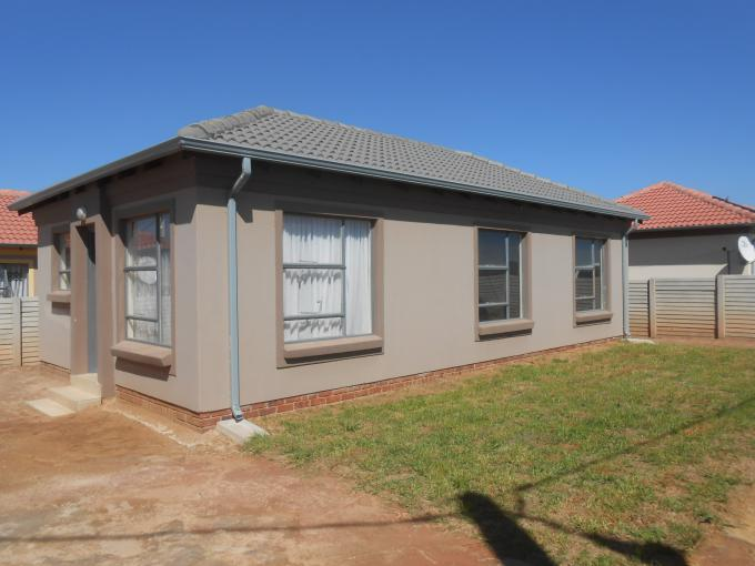 Standard Bank EasySell 2 Bedroom House for Sale For Sale in Roodepoort West - MR182876