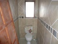 Bathroom 1 - 6 square meters of property in Raslouw