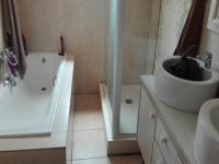 Main Bathroom - 7 square meters of property in Darling