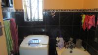 Main Bathroom - 4 square meters of property in Norwood (CPT)