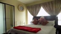 Bed Room 1 - 12 square meters of property in Oakdene