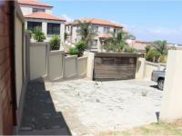 3 Bedroom 2 Bathroom Cluster for Sale for sale in Bassonia Rock