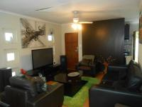 Lounges - 14 square meters of property in Cosmo City