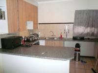 Kitchen - 16 square meters of property in Karenpark