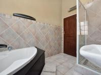 Main Bathroom - 9 square meters of property in Wilropark
