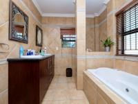 Main Bathroom - 10 square meters of property in North Riding A.H.