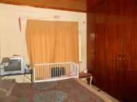 Bed Room 1 - 19 square meters of property in Horison