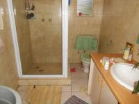 Main Bathroom - 6 square meters of property in Horison