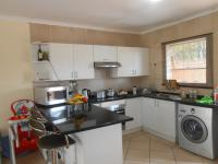 Kitchen - 18 square meters of property in Wilgeheuwel