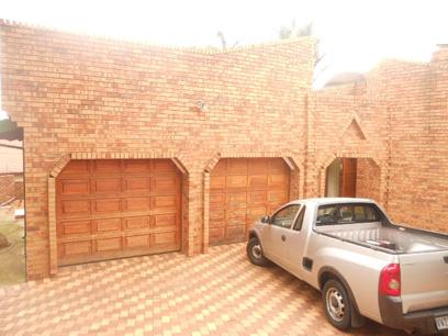 Standard Bank Repossessed 3 Bedroom House for Sale For Sale in Oakdene - MR18509
