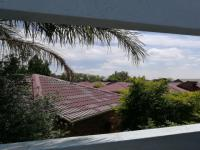 Patio - 9 square meters of property in Weltevreden Park
