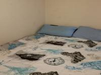 Bed Room 1 - 13 square meters of property in Weltevreden Park