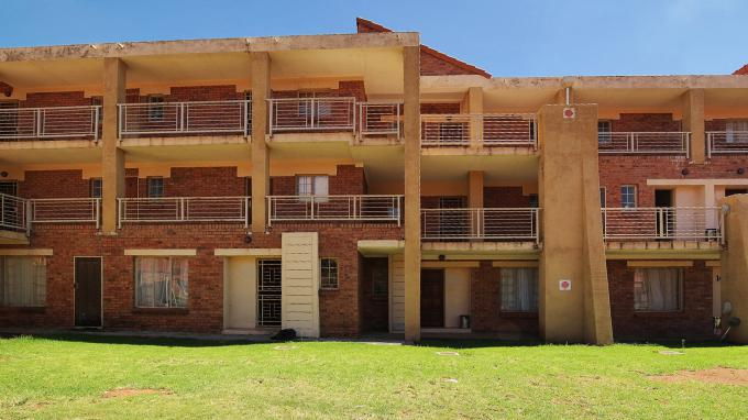 Standard Bank EasySell 1 Bedroom Sectional Title for Sale For Sale in The Orchards - MR185784