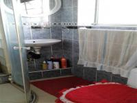 Bathroom 1 of property in Port Elizabeth Central