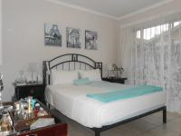 Main Bedroom - 20 square meters of property in Pomona
