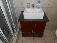 Main Bathroom - 4 square meters of property in Pomona