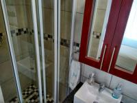 Bathroom 1 - 7 square meters of property in Pomona