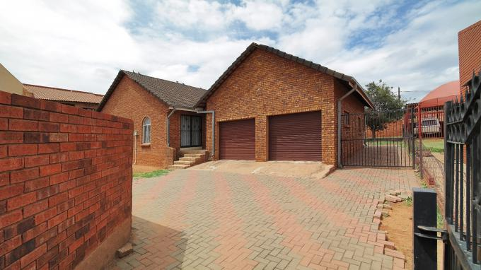 Standard Bank Insolvent 3 Bedroom House for Sale in Soshanguve - MR188102