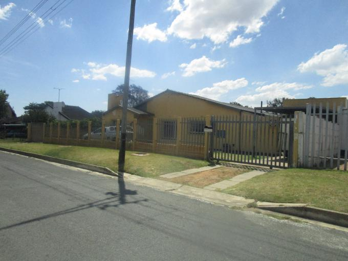 Standard Bank EasySell 3 Bedroom Cluster for Sale in Ridgeway - MR188159
