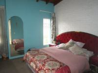 Bed Room 1 - 17 square meters of property in The Hill