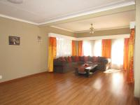 Lounges - 39 square meters of property in Groblerpark