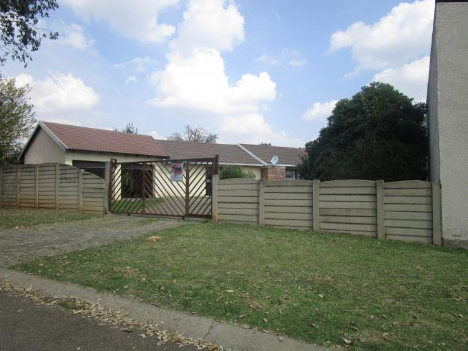 Standard Bank EasySell House for Sale For Sale in Brakpan - MR189211