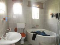 Main Bathroom - 6 square meters of property in Brakpan