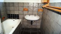 Main Bathroom - 15 square meters of property in Pietermaritzburg (KZN)