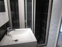 Bathroom 1 - 6 square meters of property in City and Suburban