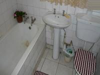 Main Bathroom - 6 square meters of property in Moregloed