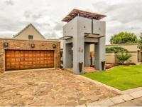 3 Bedroom 3 Bathroom House for Sale for sale in Kempton Park
