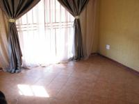 Lounges - 18 square meters of property in Goudrand