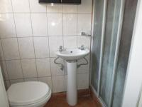 Main Bathroom - 3 square meters of property in Goudrand