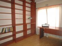 Study - 11 square meters of property in Roodekrans