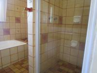 Bathroom 1 - 8 square meters of property in Roodekrans