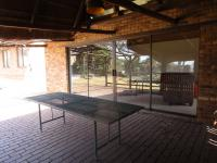 Patio - 21 square meters of property in Roodekrans