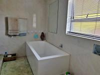 Bathroom 3+ of property in Bayswater