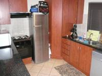 Kitchen - 10 square meters of property in Willow Park Manor