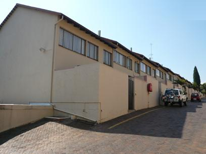 3 Bedroom Duplex for Sale For Sale in Waterkloof - Home Sell - MR19238